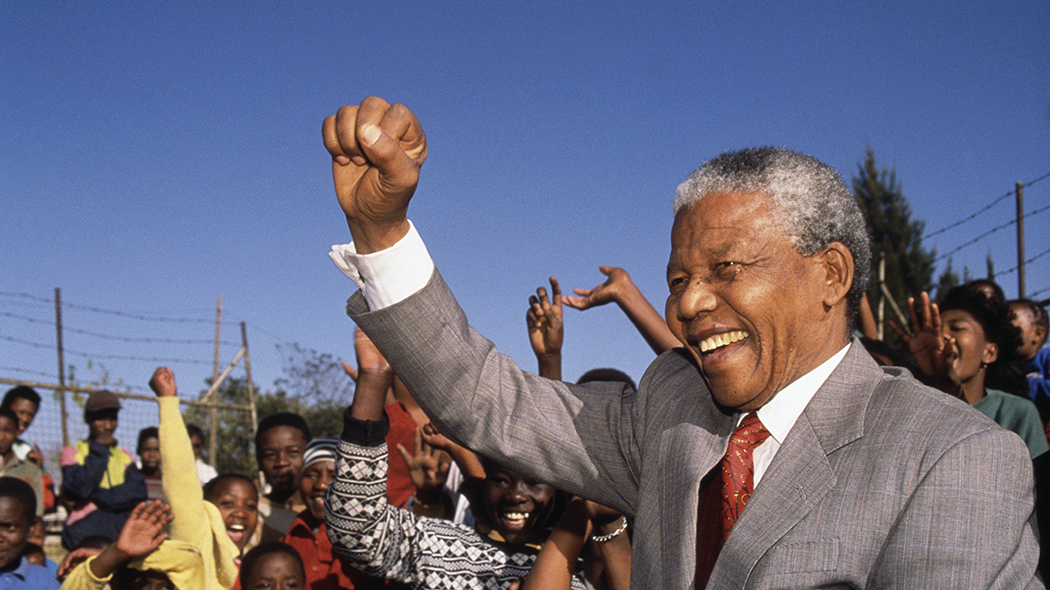 Nelson Mandela nel 1994 (foto: © Louise Gubb/CORBIS SABA/Corbis via Getty Images)