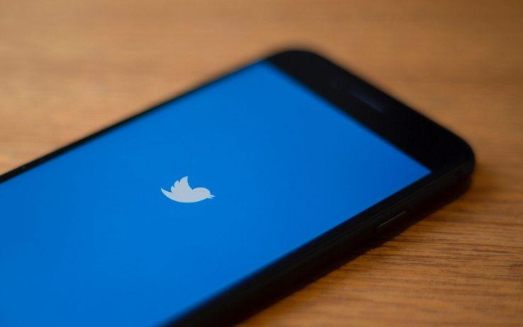Twitter, le reazioni con emoji arriva...