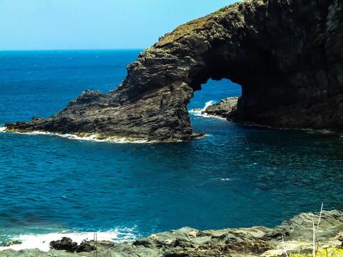 Pantelleria, i tropici al centro del Mediterraneo