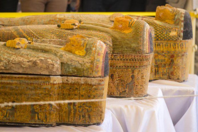 Egitto, trovati trenta sarcofagi in u...