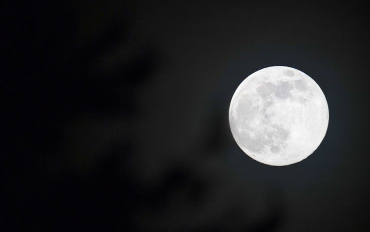 La Superluna di aprile: è la più grande del 2020. FOTO